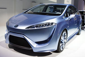 Tokyo 2011: Toyota FCV-R Concept Channels 'Avatar' in Japan