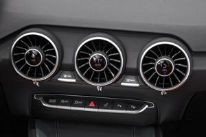 2017 Audi TT 2.0T quattro Coupe Center Console