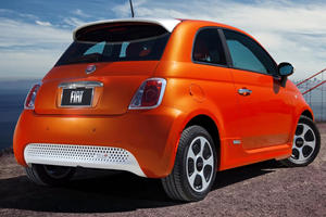 2017 FIAT 500e Battery Electric 2dr Hatchback Exterior