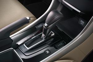 2017 Honda Accord Hybrid Touring Touring SedanShifter