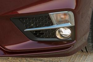 2018 Honda Odyssey Elite Passenger Minivan Fog Light Detail