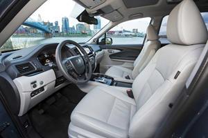 2017 Honda Pilot Elite w/Navigation and Rear Entertainment System 4dr SUV Interior Shown