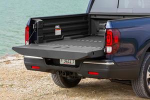 2018 Honda Ridgeline RTL-E Crew Cab Pickup Truck Bed