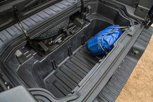 2018 Honda Ridgeline RTL-E Crew Cab Pickup Truck Bed Cargo Area