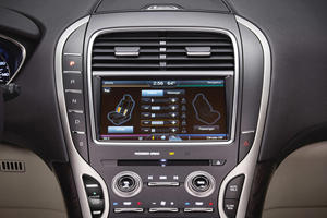 2017 Lincoln MKX Reserve 4dr SUV Center Console