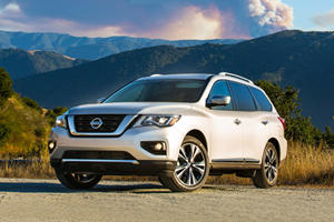 2017 Nissan Pathfinder SUV Review