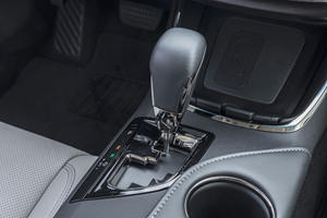 2018 Toyota Avalon Limited Sedan Shifter