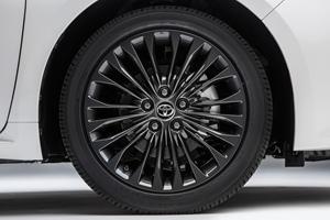 2018 Toyota Avalon Touring Sedan Wheel