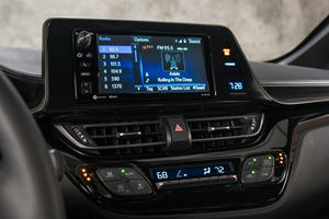 2018 Toyota C-HR XLE Premium 4dr SUV Center Console