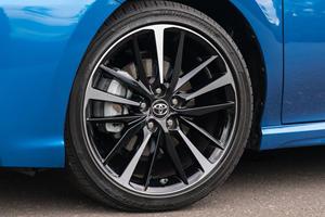 2018 Toyota Camry XSE Sedan Wheel