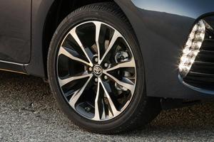 2018 Toyota Corolla XSE Sedan Wheel