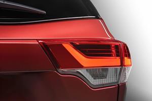 2017 Toyota Highlander SE 4dr SUV Exterior Detail