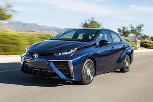 2017 Toyota Mirai Review