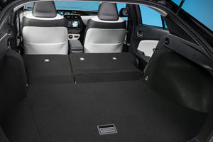 2017 Toyota Prius Three 4dr Hatchback Interior