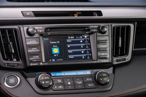 2017 Toyota RAV4 SE 4dr SUV Center Console