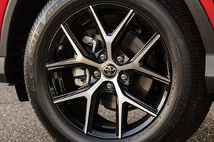 2017 Toyota RAV4 SE 4dr SUV Wheel