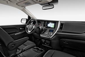 2017 Toyota Sienna SE 8-Passenger Passenger Minivan Interior