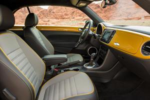 2017 Volkswagen Beetle 1.8T Dune 2dr Hatchback Interior