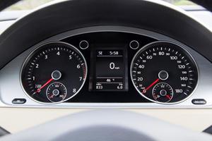 2017 Volkswagen CC 2.0T R-Line Executive Sedan Gauge Cluster