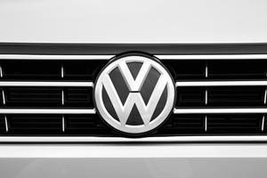 2017 Volkswagen Passat S Sedan Front Badge