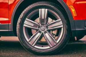 2018 Volkswagen Tiguan SEL Premium 4Motion 4dr SUV Wheel