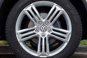 2017 Volkswagen Touareg V6 Executive 4dr SUV Wheel