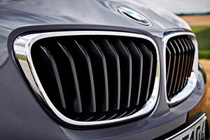 2018-2019 BMW 2 Series Coupe Front Grill Closeup