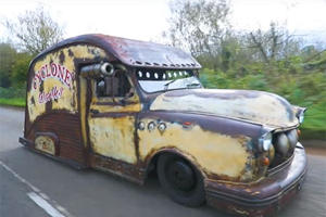 It Took Only 7 Days To Transform This London Taxi Into A Rat Rod Van