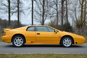 The Four-Cylinder Lotus Esprit Turbo S Was Faster Than A Ferrari V12