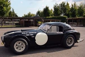 This Shelby AC Cobra 289 is What We Dream About