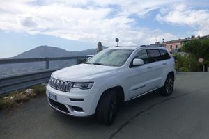 2017 Jeep Grand Cherokee Summit Review: Showing Italy How America Does SUVs