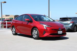 2017 Toyota Prius Test Drive Review: We Actually Love This Car