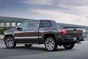GM Pickup Trucks Will Soon Have Optional Carbon Fiber Beds
