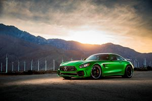 2018 Mercedes-AMG GT R Coupe Review