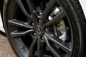 2018-2019 Acura TLX Sedan Wheel Closeup