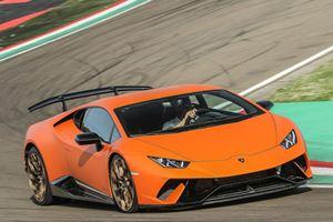 Watch Richard Hammond NOT Crash The Lamborghini Huracan Performante