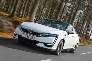 Hybrid Vs. Hydrogen – Where Does The Future Lie?