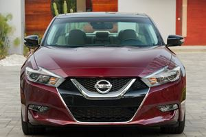 Bold Styling Decisions: 2018 Nissan Maxima