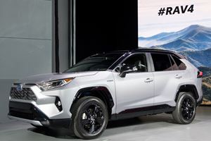 The 2019 Toyota RAV4 Hybrid Will Have A 600-Mile Range