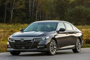2018 Honda Accord Hybrid First Look: Middle Class