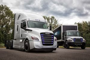 Daimler Unveils Two Electric Freightliners To Fight The Tesla Semi