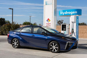 Toyota Will Finally Get Serious About Building Hydrogen Cars