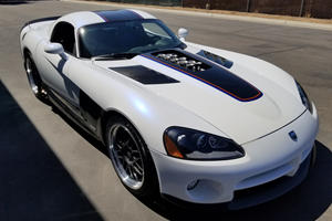This One-Off 615-HP Dodge Viper Was Modified By McLaren