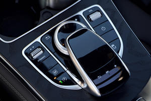 2018 Mercedes-Benz GLC 300 COMAND controller and touchpad
