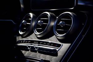 2018 Mercedes-Benz GLC 300 vents