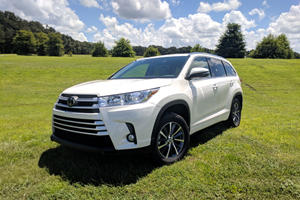 2018 Toyota Highlander Test Drive Review: Treading The Middle