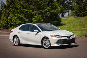 2019 Toyota Camry's Apple Car Play Won't Come Without A Cost