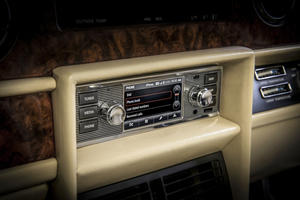 Deck Out Your Vintage Jaguar Or Land Rover With This Awesome Radio