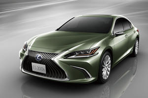 Lexus ES 350 Gains High-Tech Cameras To Replace Mirrors