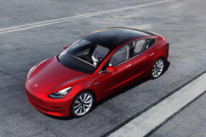 Thief Uses Smartphone To Steal A Tesla From Mall Parking Lot